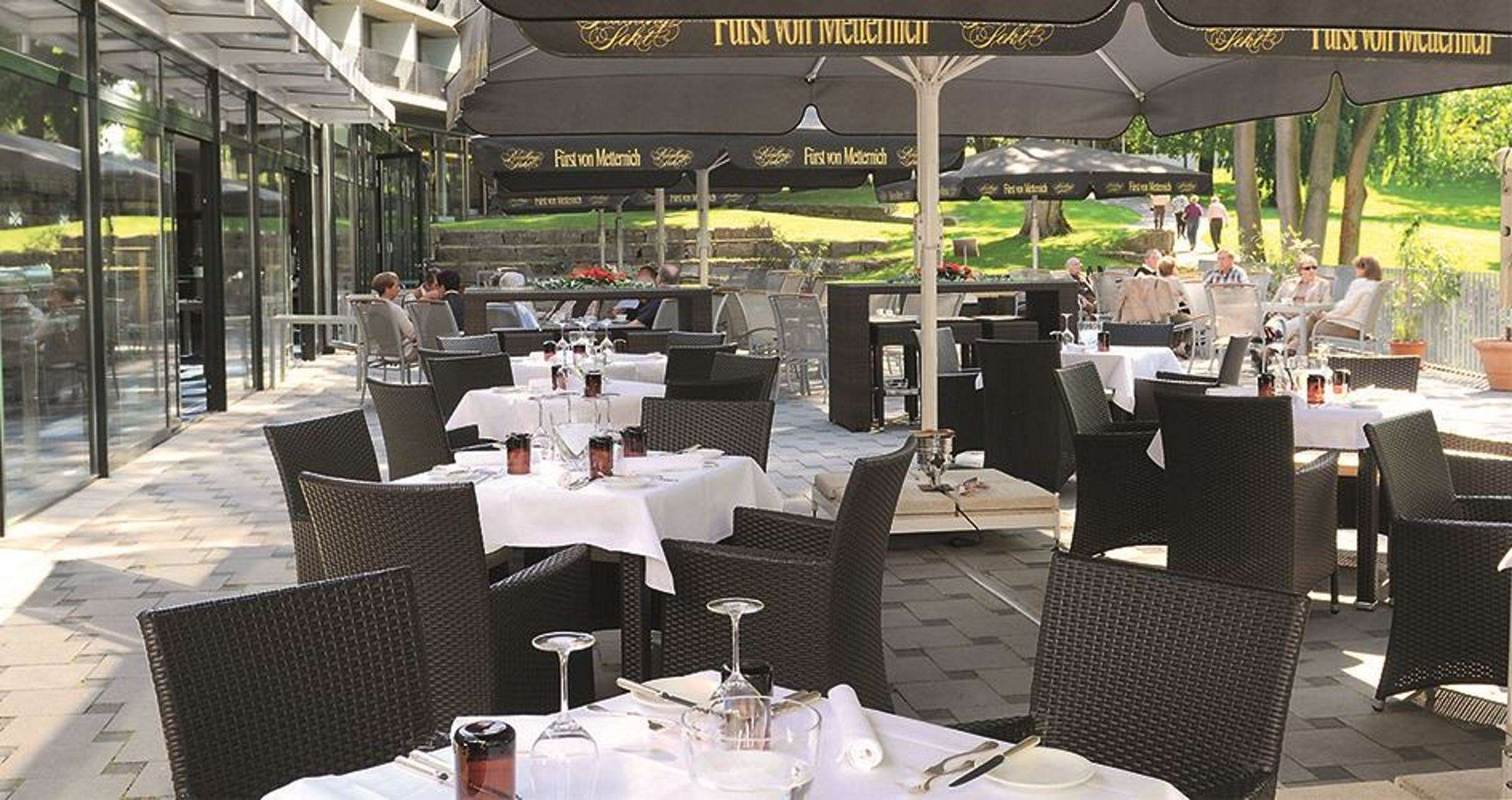 Favorite Parkhotel GmbH Terrasse