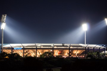 Grundig Stadion Aussen im Dunkeln 2