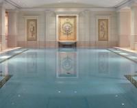 Pool und Fitnessbereich