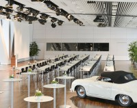 Porsche Museum Tische