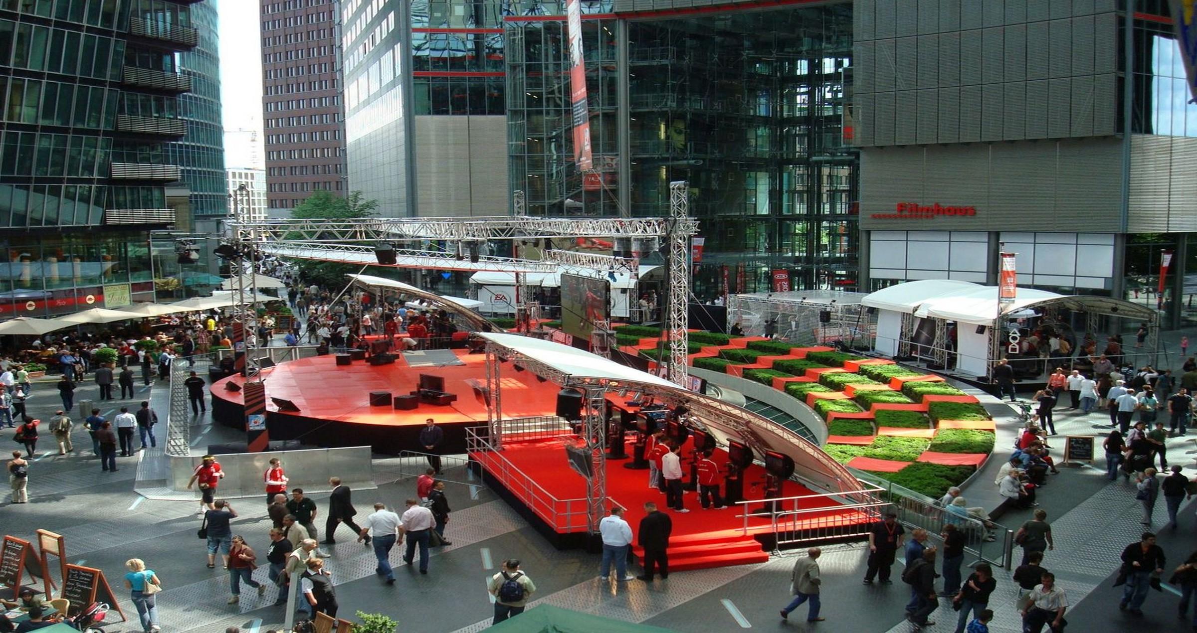 Sony Center 13